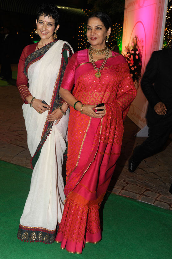 Manisha Koirala and Shabana Azmi at Vishesh Bhatt's wedding