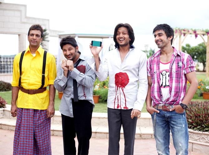 Javed Jaffrey, Arshad Warsi, Riteish Deshmukh and Ashish Chaudhary in Dhamaal