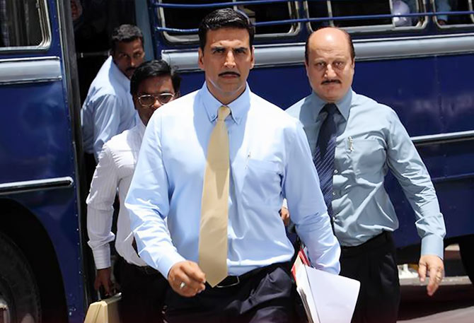 Akshay Kumar and Anupan Kher in Special 26