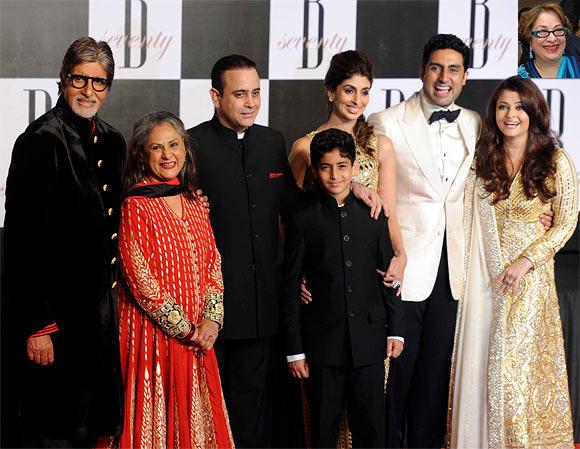 Jaya, Amitabh, Shweta, Agastya, Nikhil Nanda, Abhishek and Aishwarya Rai Bachchan. Inset: Ritu Nanda