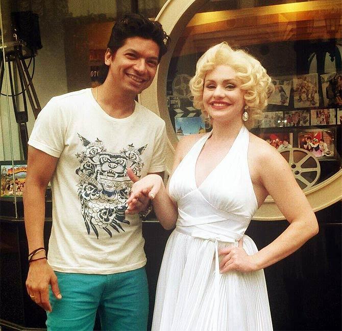 Shaan with a lookalike of Marilyn Monroe