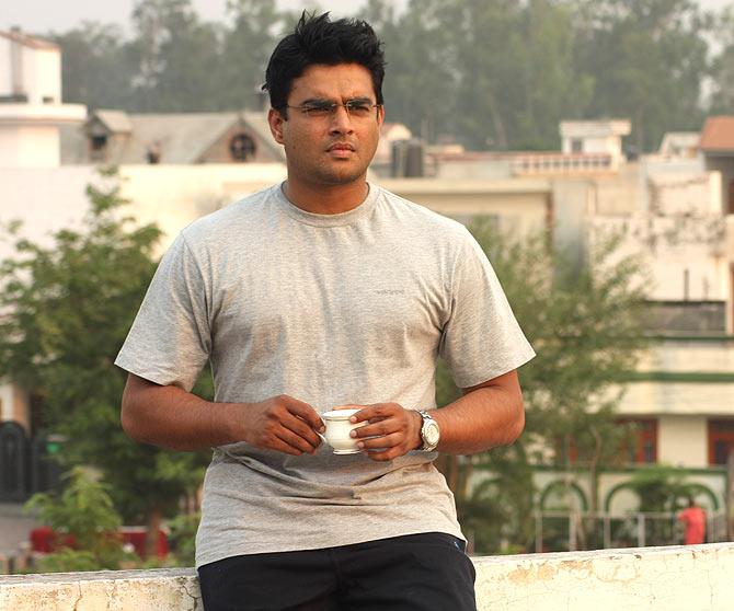 R Madhavan in Tanu Weds Manu