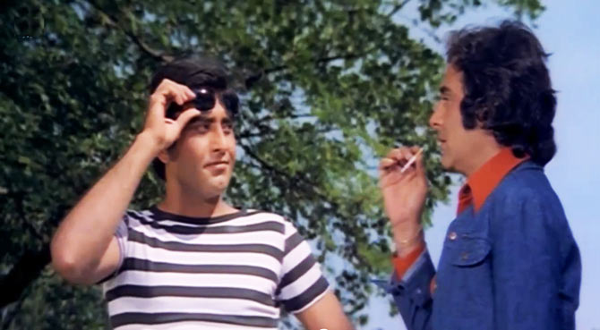 Vinod Khanna and Feroz Khan in Qurbani