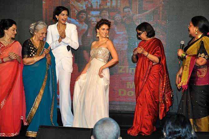Asha Parekh, Shabana Azmi and Usha Uthap