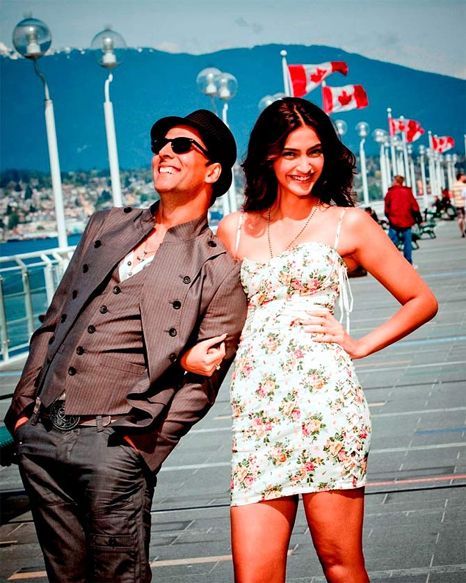 Akshay Kumar and Sonam Kapoor in Thank You