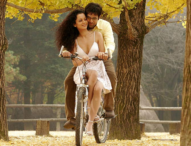 Kangna Ranaut and Emraan Hashmi in Gangster