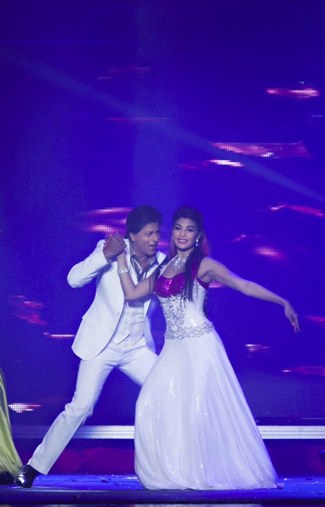 Shah Rukh Khan and Jacqueline Fernandez