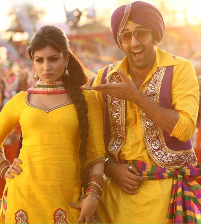Pallavi Sharda and Ranbir Kapoor in Besharam