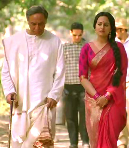 Barun Chanda and Sonakshi Sinha in Lootera