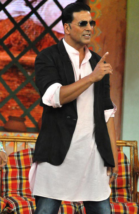 Akshay Kumar on the sets of Comedy Nights with Kapil