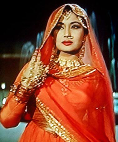 Meena Kumari How Meena Kumari Became An Alcoholic Rediffcom Movies