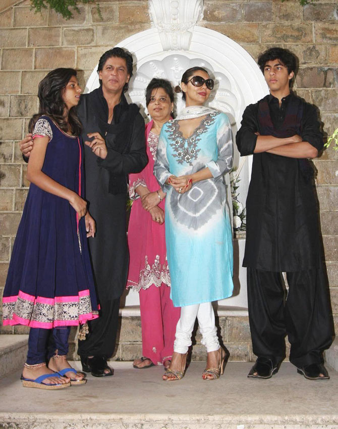 Suhana and Shah Rukh Khan, Shehnaz Lalarukh, Gauri and Aryan Khan