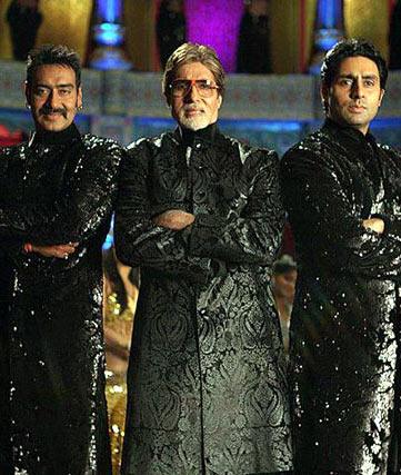 Ajay Devgn,  Amitabh and Abhishek Bachchan in Bol Bachchan