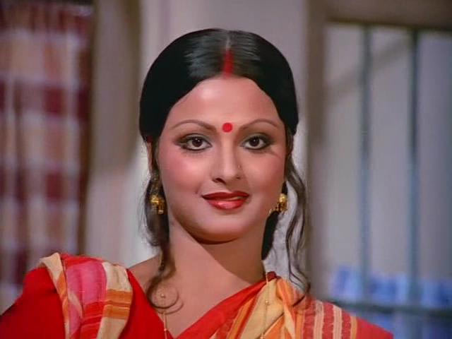 Rekha in Do Anjaane