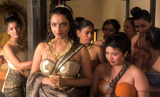 Rekha in Utsav