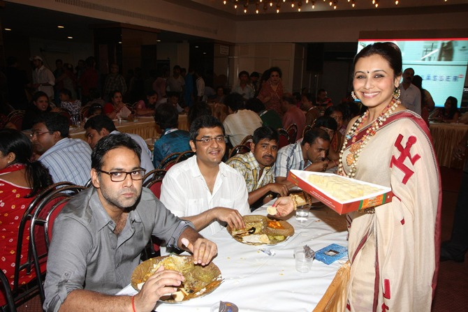 Rani Mukerji with Jaideep Sahni (in white)