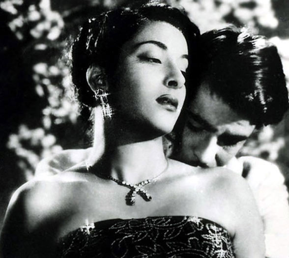 Nargis Dutt and Raj Kapoor in Awara