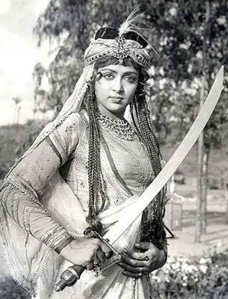 Hema Malini in Razia Sultan