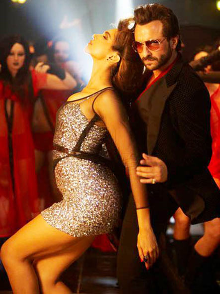 Deepika Padukone with Saif Ali Khan in Race 2
