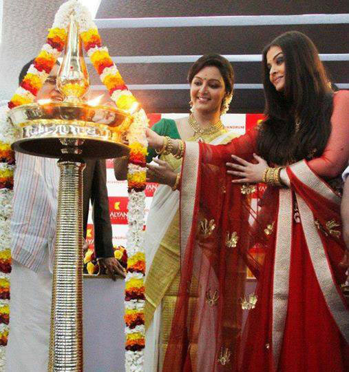 Aishwarya Rai Bachchan and Manju Warrier