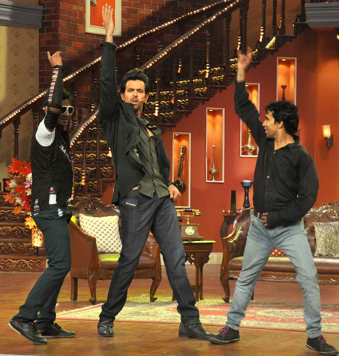 Hrithik Roshan with his fans on Comedy Nights with Kapil Sharma