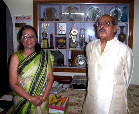 Manna Dey and Sulochana