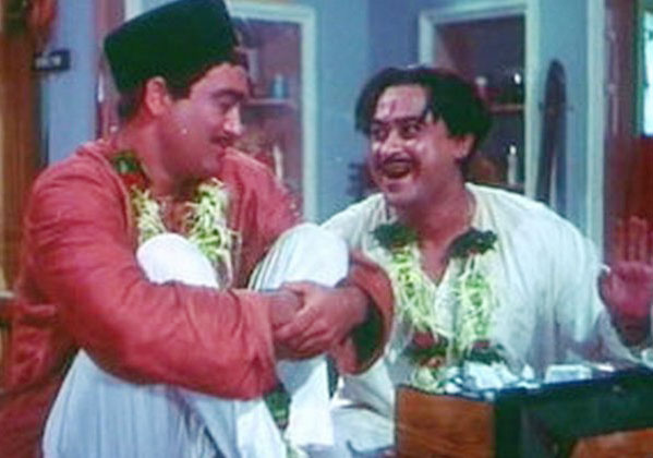 A scene from Padosan