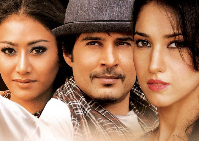 Rajeev Khandelwala, Rayo Bakhirta, Neha Ahuja in Ishq Actually