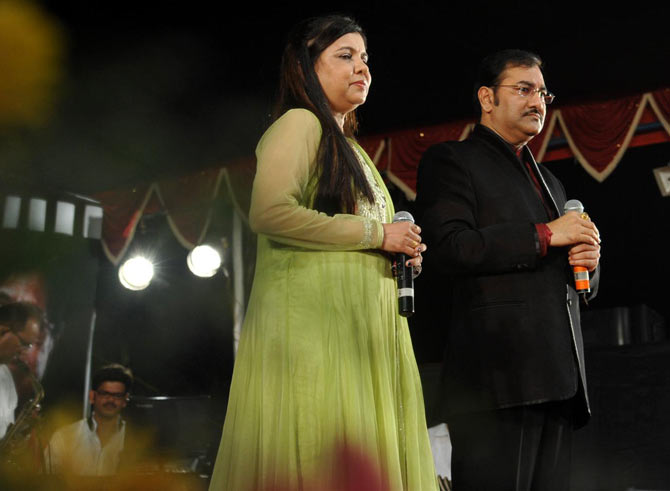 Sadhana Sargam and Sudesh Bhosle
