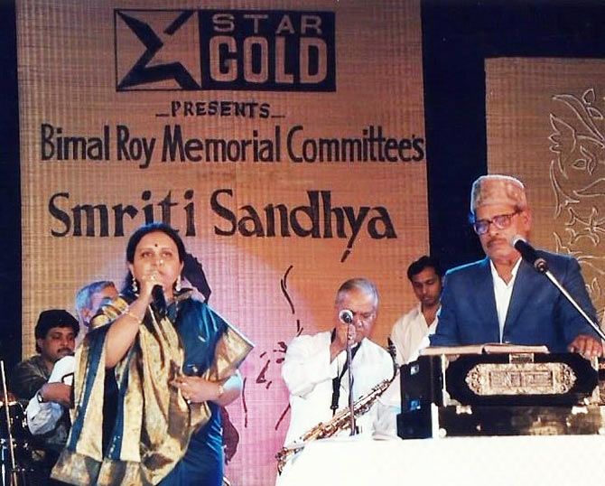 Manna Dey performing for the Bimal Roy Memorial Committee