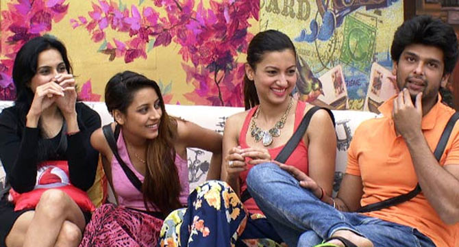 Kamya Panjabi, Pratyusha Banerjee, Gauhar Khan and Kushal Tandon in Bigg Boss 7