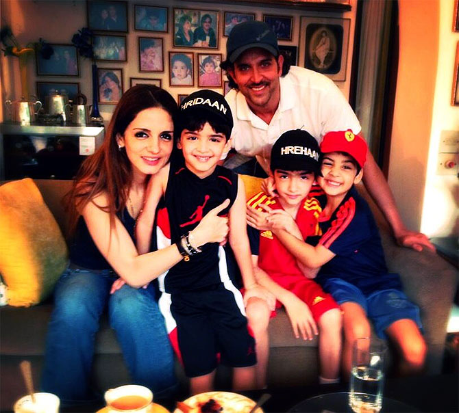 Hrithik Roshan with wife Sussanne and sons Hrehaan and Hridhaan