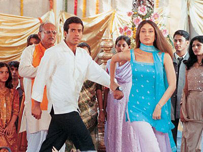 Tusshar Kapoor and Kareena Kapoor Khan in Jeena Sirf Merre Liye