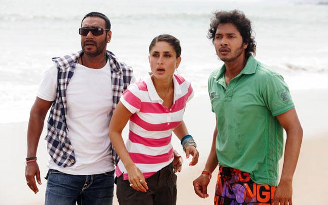 Ajay Devgn, Kareena Kapoor Khan, Shreyas Talpade in Golmaal 3