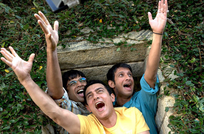 R Madhavan, Aamir Khan and Sharman Joshi in 3 Idiots