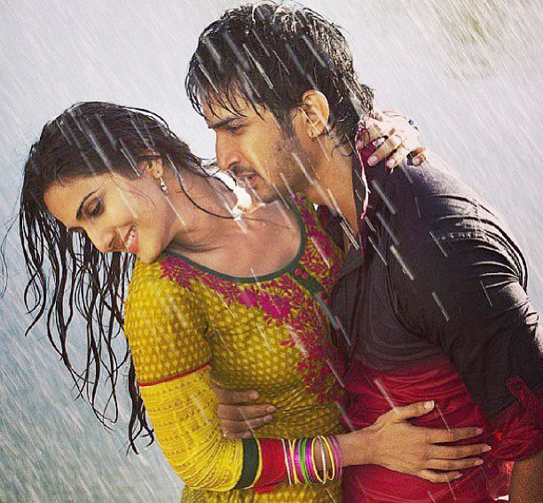 Vaani Kapoor and Sushant Singh Rajput in Shuddh Desi Romance