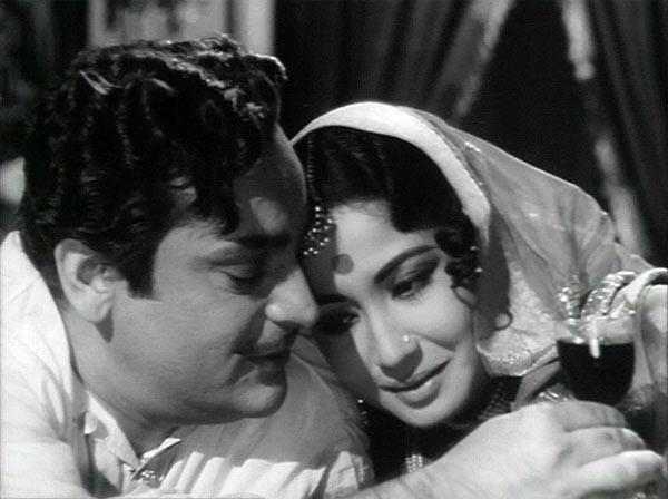 Rehman and Meena Kumari in Sahib Bibi Aur Ghulam