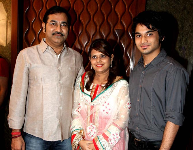 Sudesh Bhosle with wife and son