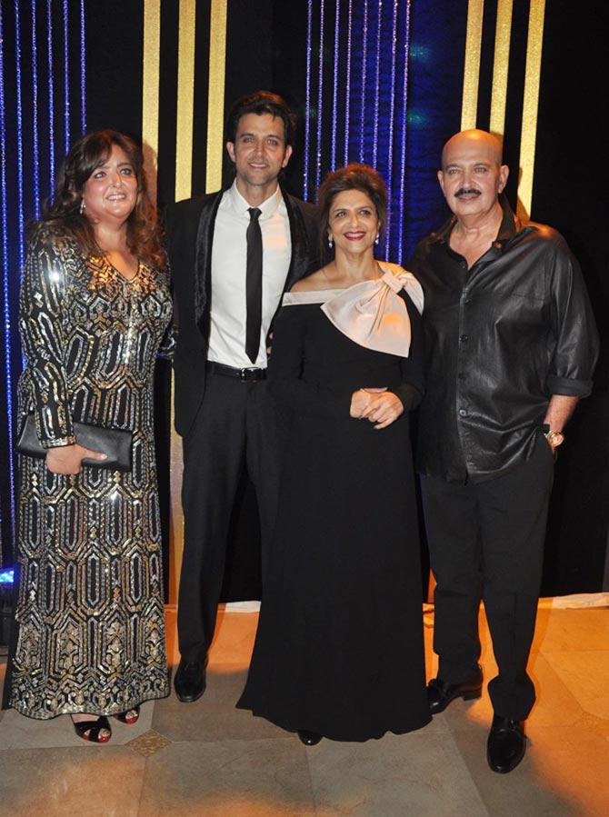 Sunaina, Hrithik, Pinky and Rakesh Roshan