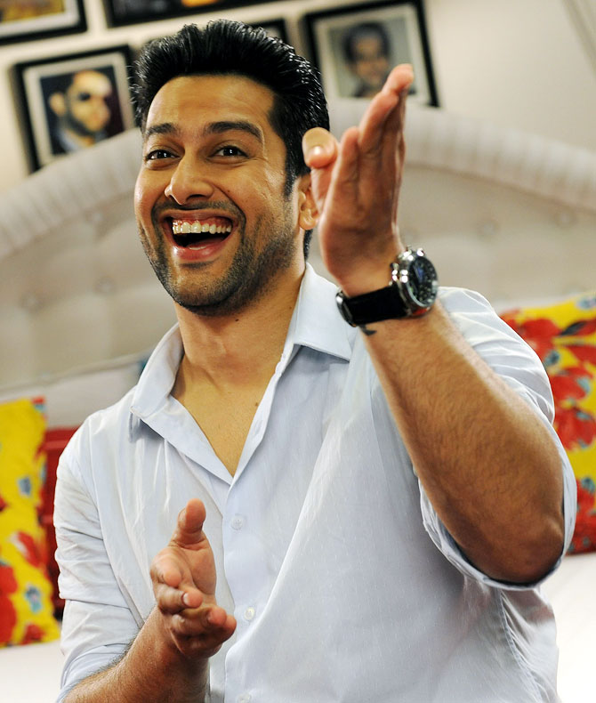 Aftab Shivdasani in Grand Masti
