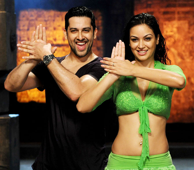 Aftab Shivdasan and Mariyam Zakaria in Grand Masti