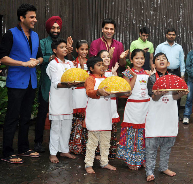 PIX: Ganpati celebrations at R K Studios