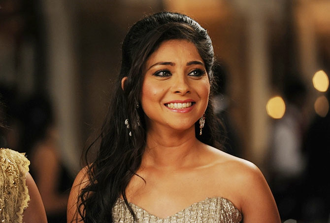 Sonalee Kulkarni in Grand Masti