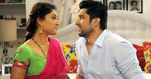Manjiri Phadnis and Aftab Shivdasani in Grand Masti