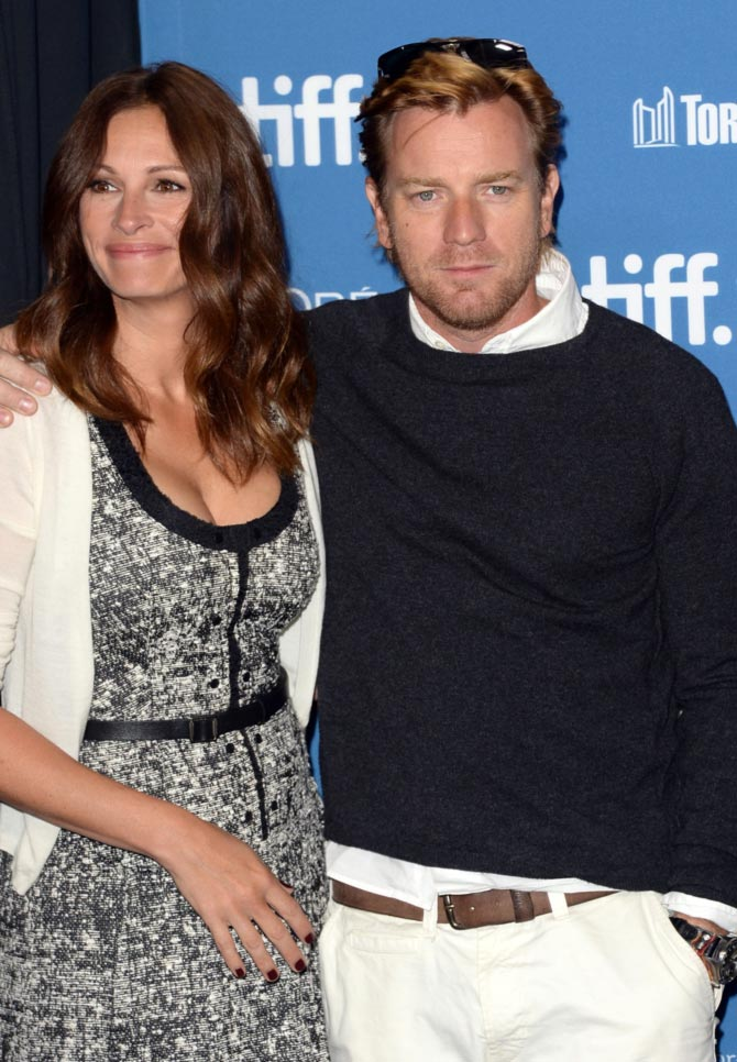 Julia Roberts and Ewan McGregor