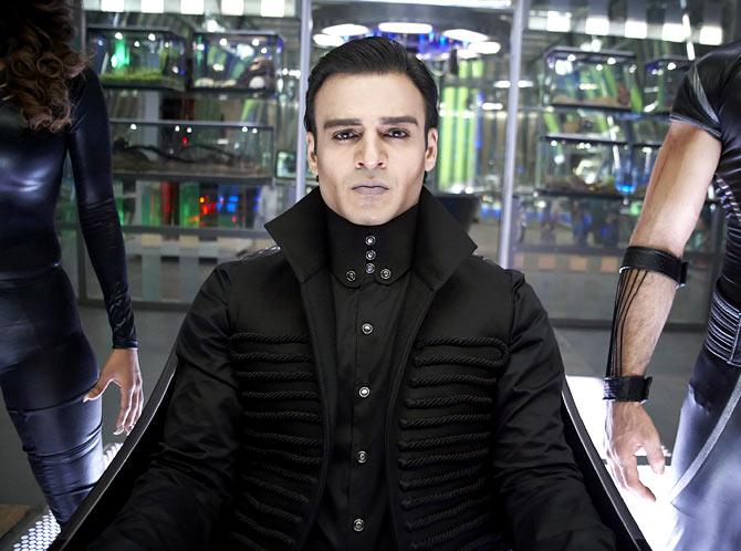 Vivek Obeori in Krissh 3
