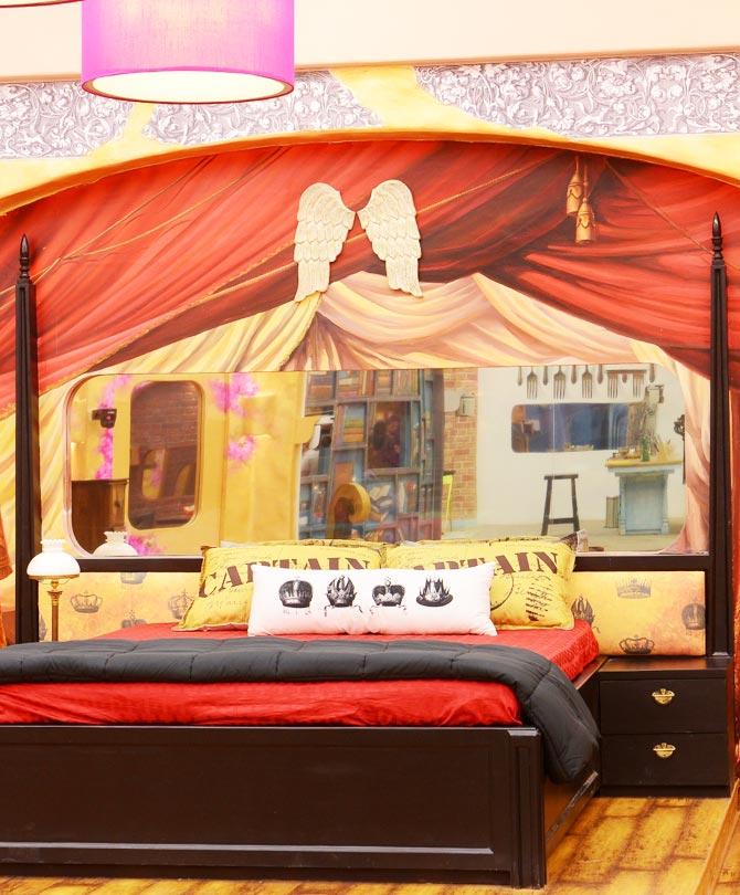 Captain's bed in heaven