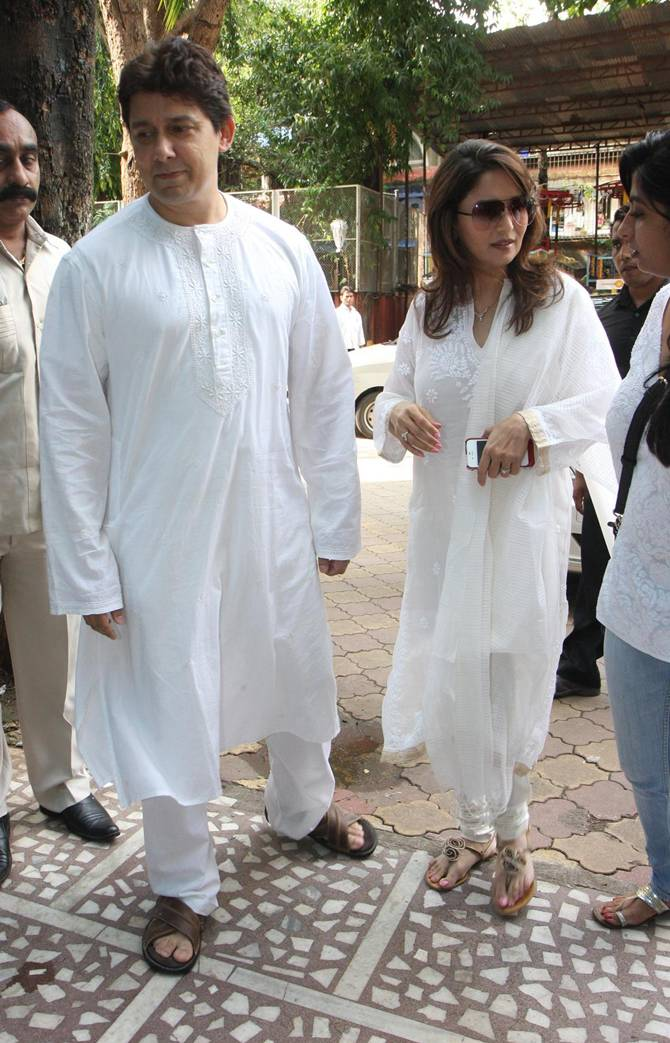 Madhur Dixit with husband Dr Sriram Nene at her father's prayer meet