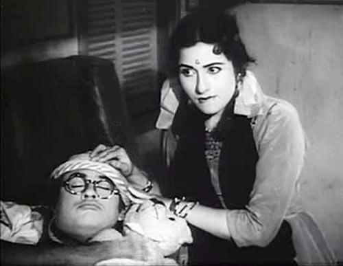 Kishore Kumar and Madhubala in Half Ticket