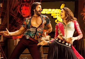 Ranveer Singh and Deepika Padukone in Ramleela